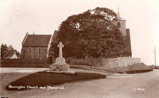 Newington_Church_and_War_Memorial_postcard_posted_1923_AT-320.jpg